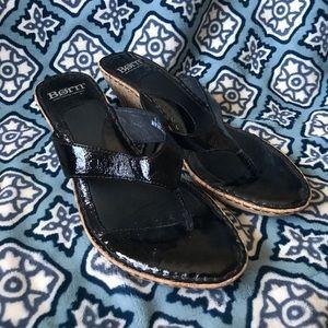 Born Size 9 Ladies Sandal Wedge Heels